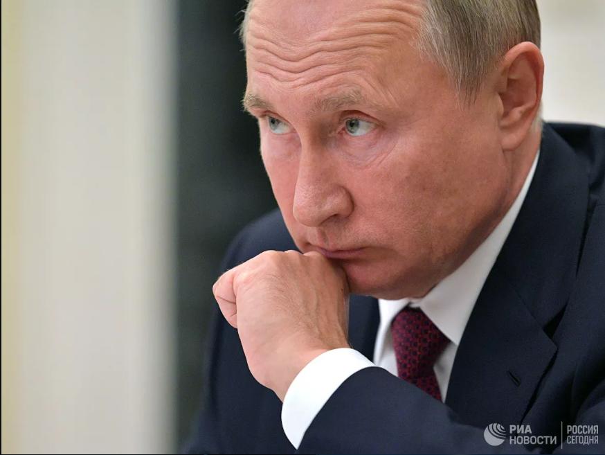 """Putin əsəbləşdi: """"Mənə burda nağıl danışırsız"""""""