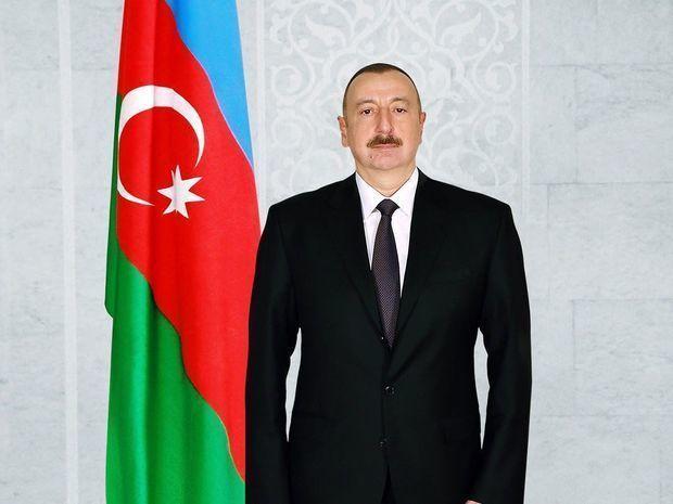 Prezident İlham Əliyev Balakəndə ulu öndər Heydər Əliyevin abidəsini ziyarət edib