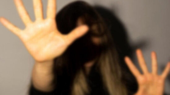 Kişi Suqovuşanda azyaşlı uşağı olan qadını yulğunluğa aparıb… – Şok təfərrüat