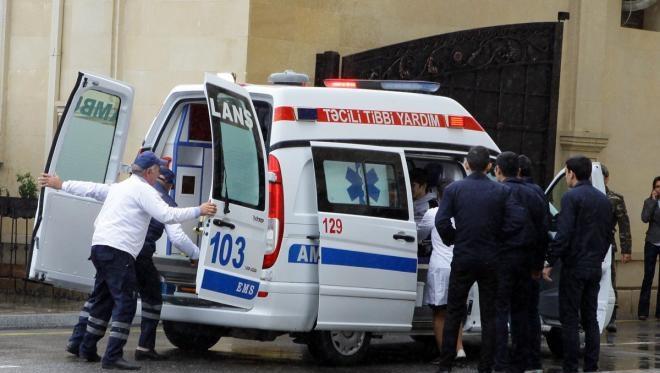 Goranboyda maşın evə çırpıldı – Yaralananlar var