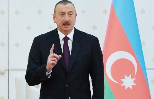 """İlham Əliyev: """"Açarıq sandığı, tökərik pambığı"""""""