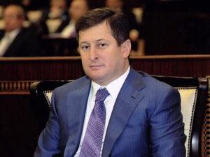 Kərəm Həsənovun bacısının 1 milyonunu mənimsəyən falçı ev dustaqlığına buraxılıb