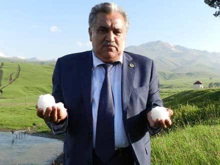 İcra başçısı sözləri düzgün tələffüz edə bilmədi — Tənqid olundu (VİDEO)