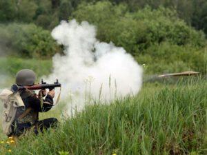 Azərbaycan hərbçiləri erməni tabor komandirinin maşınını vurdu – FOTO