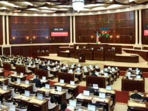 Bu gün Milli Məclisin iclasıdır – 12 məsələyə baxılacaq (SİYAHI)