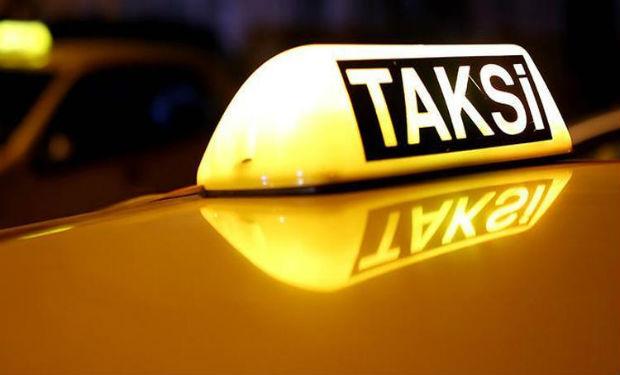 Azərbaycanlı müğənni taksi sürücülüyünə başladı — Toylar olmadığı üçün – FOTOFAKT