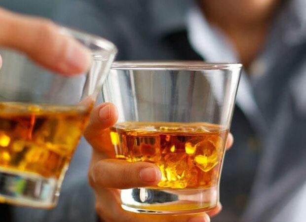 AQTA vaxtı keçmiş mallara icazə sənədini necə verir? – Bakıda saxta içki ajiotajı