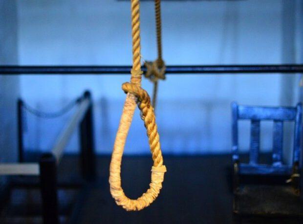 Azərbaycanda 22 yaşlı qadın intihar etdi