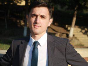 """""""Vergi əməkdaşını döydürən parlamentdə hansı qanunu verəcək?"""""""