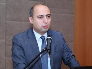 Nazirin təyin etdiyi məktəb direktoru ana dilində düzgün yaza bilmir – Foto