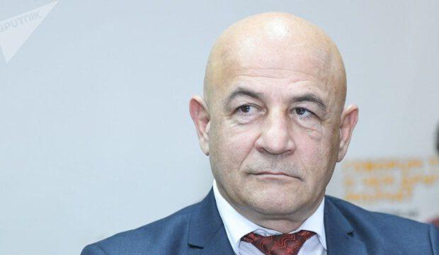 Bələdiyyə sədrinin oğlu AzTV-nin əməkdaşını şantaj etdi, özü İSTEFA VERDİ
