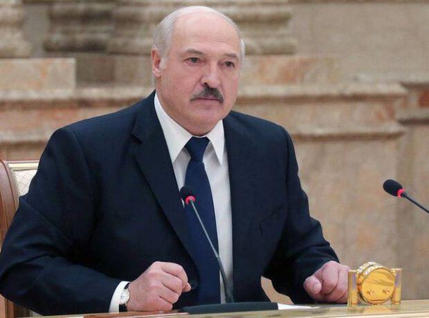 """Lukaşenko HƏDƏLƏDİ: """"Onlar qudurublar, biz sizə göstərəcəyik!"""""""