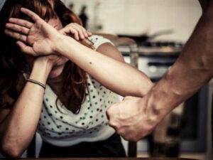 Yevlaxda DƏHŞƏTLİ CİNAYƏT: Həyat yoldaşının barmaqlarını KƏSDİ – ŞOK TƏFƏRRÜAT