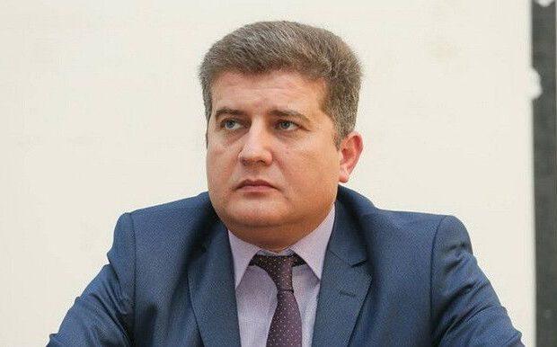 """Deputat: """"Mart-avqust aylarında 20 min manat almışam, hazırda kartımda 9,860 manat 59 qəpik var"""""""
