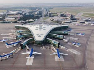 """Ekspert: """"Aviasiya sektorunun problemi AZAL-ın inhisarçı siyasətindədir"""""""