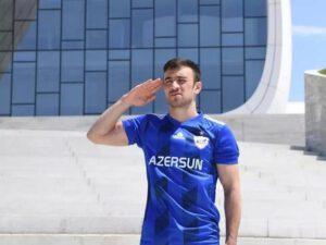 """Qara Qarayev: """"Doğma kəndimin düşmənlərdən azad edilməsini sözlərlə ifadə edə bilmirəm"""""""