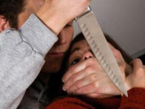 Sumqayıtda oğlanın keçmiş sevgilisinə bıçaqla hücum etdiyi anın ŞOK GÖRÜNTÜLƏRİ – VİDEO