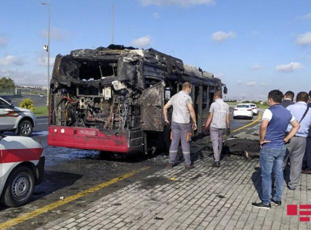 SON DƏQİQƏ! Bakıda sərnişin  avtobusu yandı – Hadisə yerindən video
