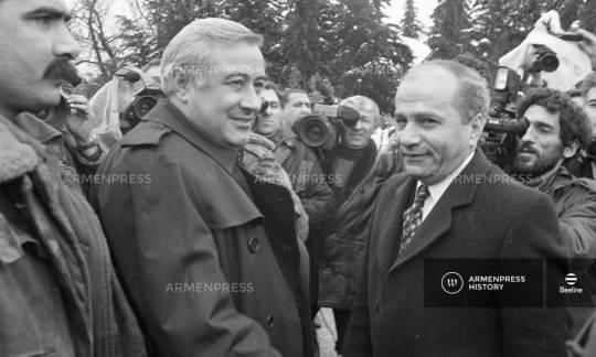 Rəsul Quliyevin işğalçı Ermənistan spikeri ilə birgə görüntüləri yayıldı…- FOTO