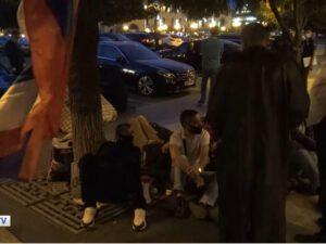 İrəvanda AJİOTAJ: Ermənilər ölkəni tərk edir – VİDEO
