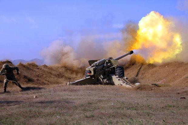 Artilleriyaçılarımız düşmənin atəş nöqtələrinə dəqiq zərbələr endirir – VİDEO
