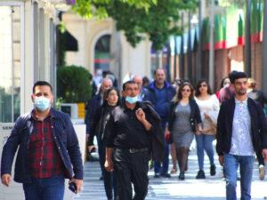 İnsanların yarısı maskanı çənəsində gəzdirir – TƏBİB rəsmisi