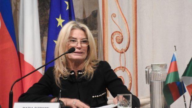 İtalyan senator Ermənistan ordusunun soyqırım və müharibə cinayətlərini pislədi