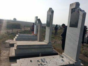 Ermənilər Ağcabədiyə raket atıb, qəbiristanlıq dağılıb