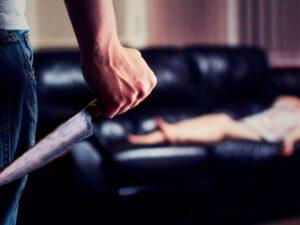 Gənc qız sevgilisini yataqda doğradı – AZƏRBAYCANDA QANLI CİNAYƏT