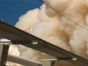 Dünyanın ən böyük neft-qaz şirkəti raket atəşinə tutuldu