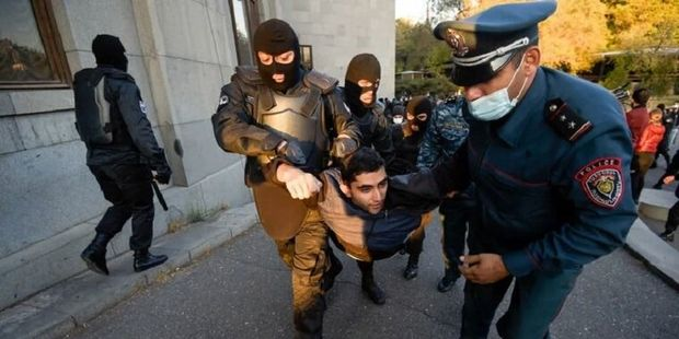 Paşinyanın iqamətgahını qarət edən üç nəfər saxlanıldı