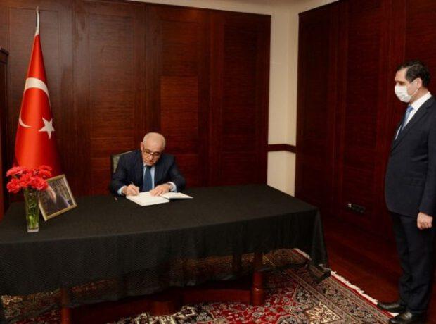 Baş nazir Məsud Yılmazın vəfatı ilə əlaqədar Türkiyəyə başsağlığı verdi