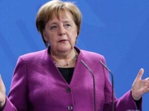 Angela Merkel vəzifəsini tərk etdi