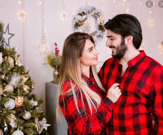 """""""Mənim şirin Santa-Clausum"""" – Məşhur cütlük övladının görüntülərini yaydı – FOTOLAR"""
