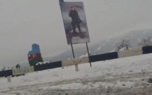 Ermənilər üçün ən strateji yerə Mübarizin şəkli vuruldu – Foto