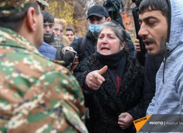 Ermənistanda 3 günlük matəm başladı