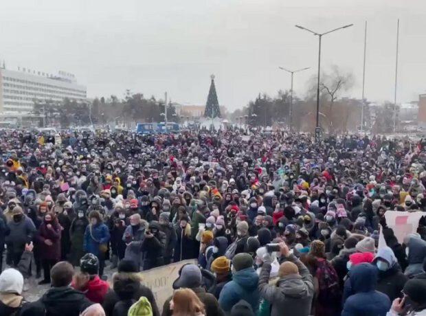 51 dərəcə şaxtada mitinq – Rusiyada 200 nəfər saxlanıldı