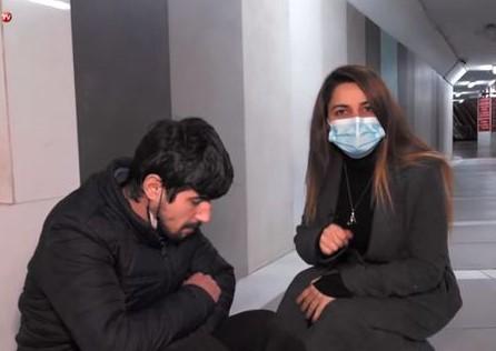 Küçədə yaşayan 25 yaşlı Orxanın həyatı hər kəsi kövrəltdi – VİDEO