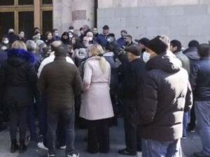 Yerevanda aksiya: Müharibədə iştirak etmiş könüllülər etiraz edirlər