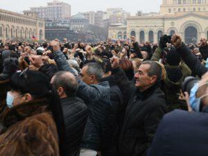 Yerevanda hökumətin istefası tələbilə aksiya keçirilir
