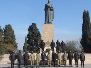 Tankçılar general Həzi Aslanovun ata ocağını ziyarət edib – FOTO