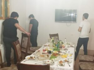Qusarda kafe sahibi və müştəriləri polis şöbəsinə gətirildi