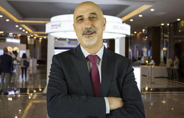 Peyvənd olunan insanlara çip qoyulacağı iddialarına türk professordan cavab
