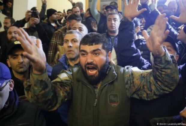 SON DƏQİQƏ: Ermənistanda bütün ORDU AYAĞA QALXDI – İrəvan ÇALXALANIR