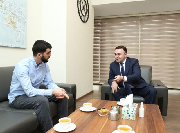 Deputat Elnur Allahverdiyev sahibkarlıq və Fəxri konsul fəaliyyətinə aydınlıq gətirdi – MÜSAHİBƏ