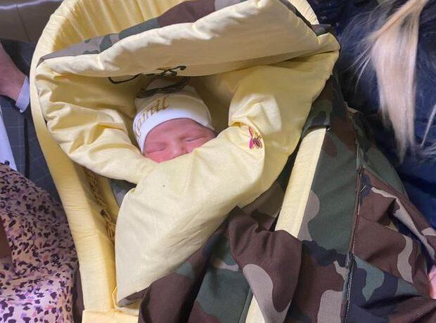 Daha bir şəhidin adı yeni doğulan övladına verildi – FOTO