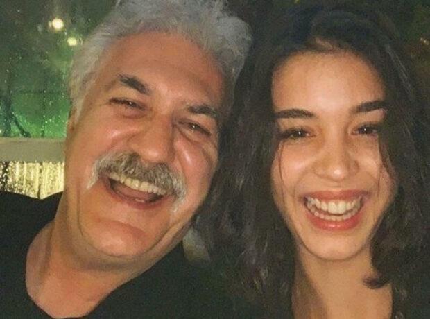 30 yaş özündən balaca qızla sevgili olan azərbaycanlı aktyorun evindən GÖRÜNTÜ – FOTO