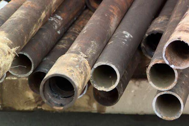 Suraxanıda neft mədəninin dəmir boruları oğurlandı – FOTOLAR
