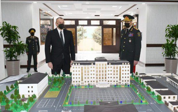 İlham Əliyev Daxili Qoşunların yeni inşa olunan hərbi hissəsinin açılışında iştirak edib