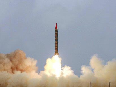 Pakistan nüvə başlığı daşıya bilən ballistik raketi sınaqdan keçirib